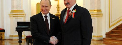 """""""Spelar Putin och Lukasjenko i händerna"""""""
